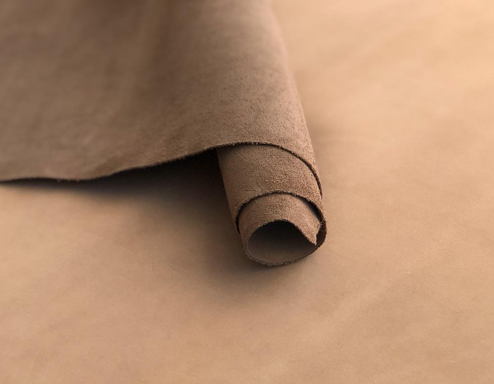 Нубук капучино 1.2 – 1.4 мм (16 руб./кв.дм)